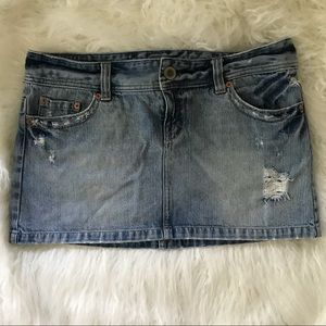 American Eagle Outfiter distressed jean skirt